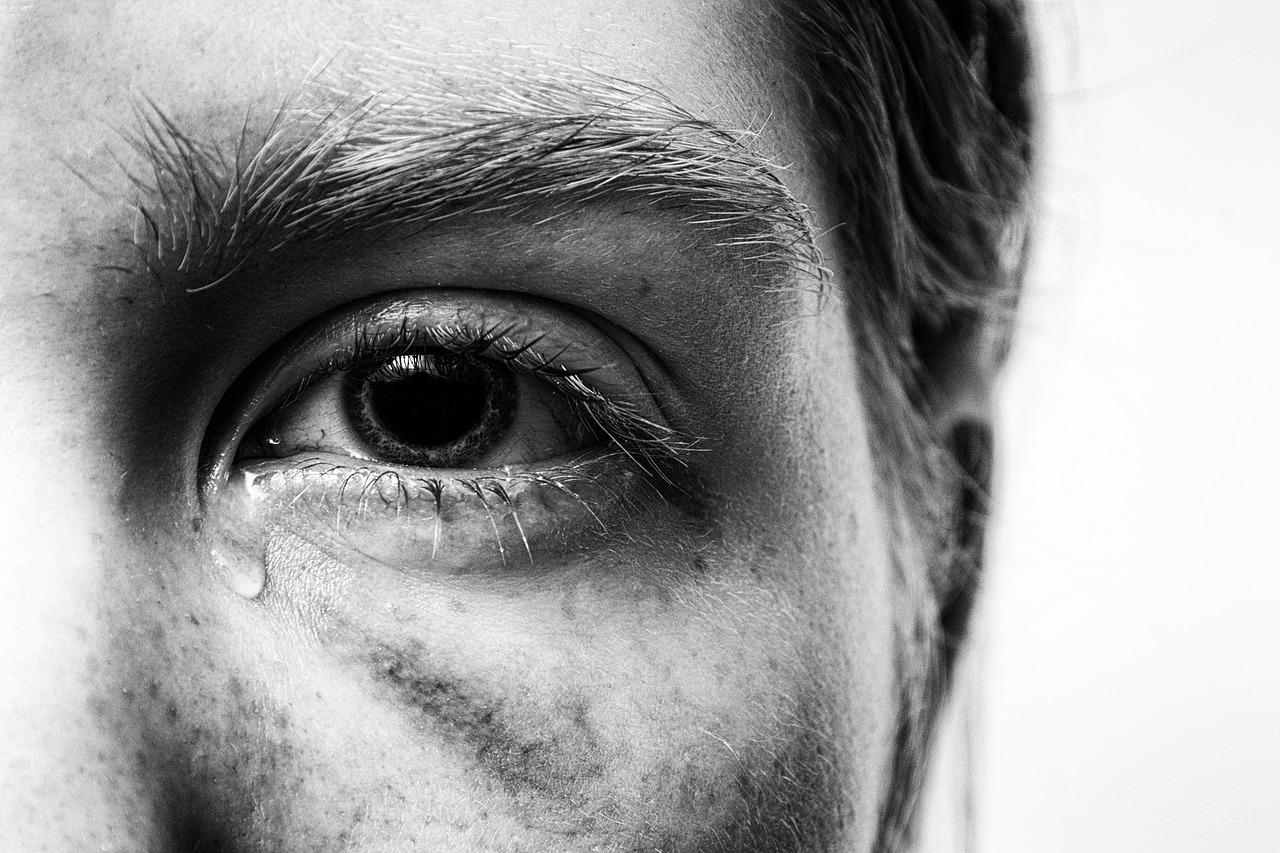Travmaya Yakından Bakmak – Acıdan Özgürlüğe